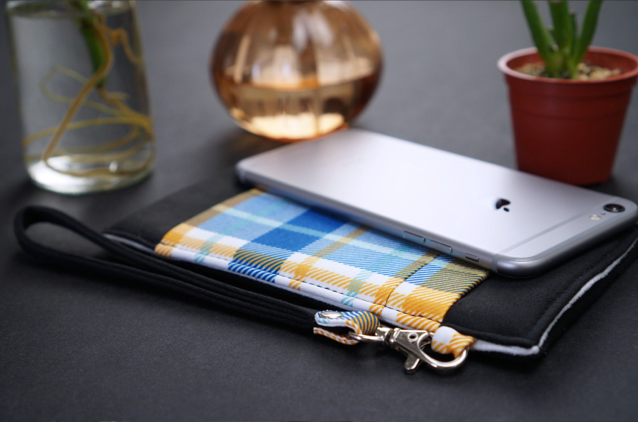 Onor Tartan Fever cell phone pouch-6